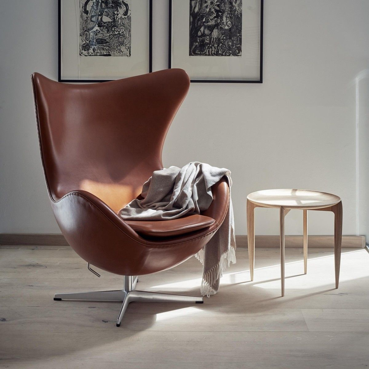egg chair loungechair leather fritz hansen. Black Bedroom Furniture Sets. Home Design Ideas