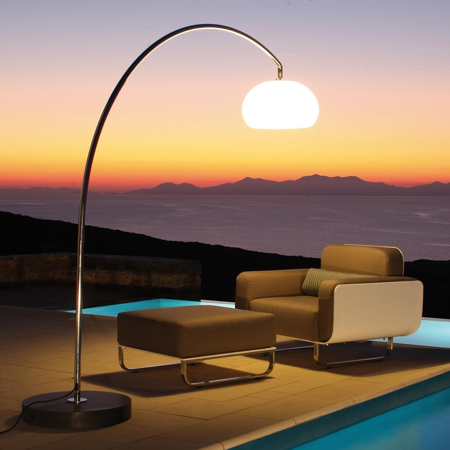 Royal Botania  60T Outdoor Garden Floor Lamp