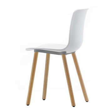Vitra - Hal Wood Stuhl  - weiß/Gestell Eiche natur
