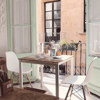 2 Cafe Anne
