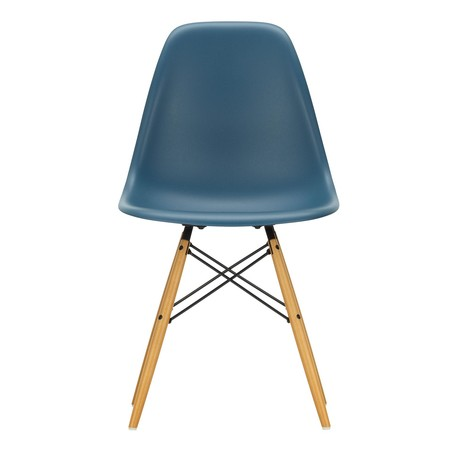 Marvelous Vitra Eames Plastic Side Chair Dsw Gouden Esdoorn Gmtry Best Dining Table And Chair Ideas Images Gmtryco