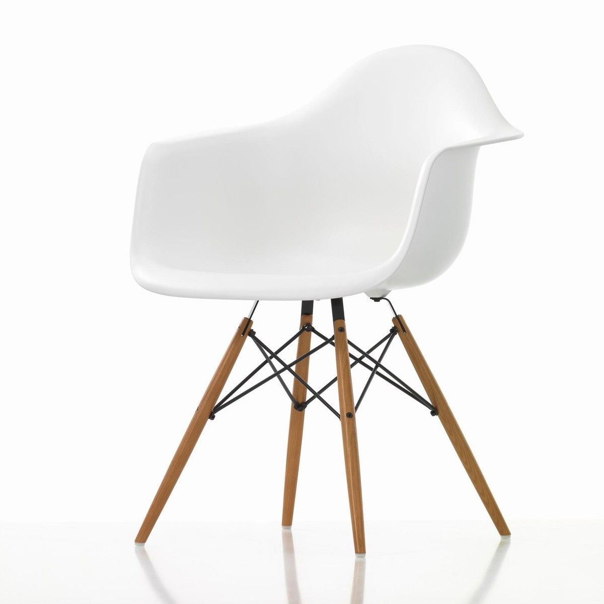 Eames plastic armchair daw ash vitra for Eames chair vitra replica