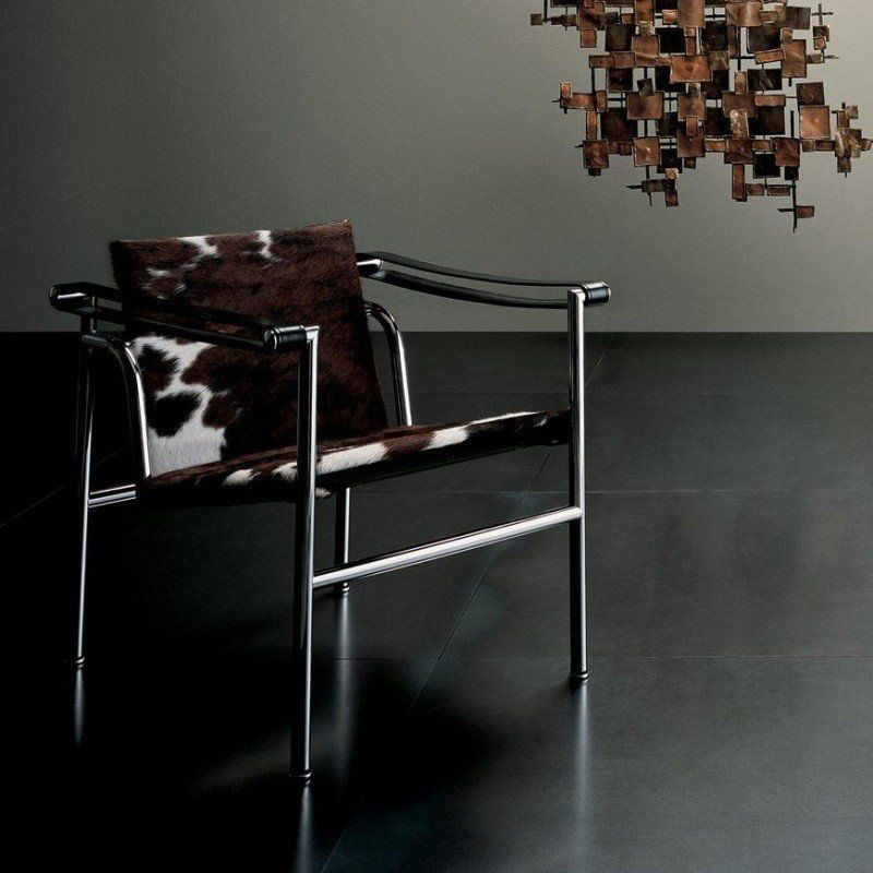 cassina le corbusier lc1 fauteuil bas ambientedirect. Black Bedroom Furniture Sets. Home Design Ideas