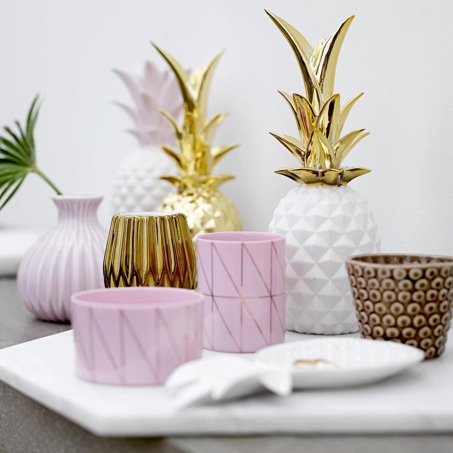 bloomingville objet de d coration ananas ambientedirect. Black Bedroom Furniture Sets. Home Design Ideas