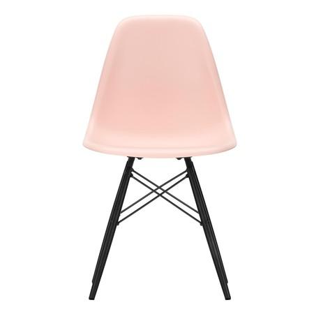 Eames Stoel Houten Poten.Vitra Eames Plastic Side Chair Dsw Zwart Esdoorn Ambientedirect