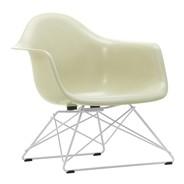 Vitra - Chaise avec accoudoirs Eames Fiberglass LAR blanc