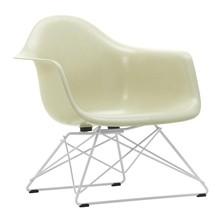 Vitra - Eames Fiberglass Armchair LAR onderstel wit