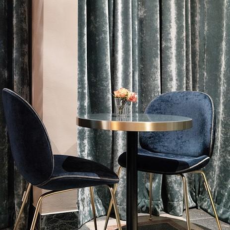 caf m nchen store ambientedirect. Black Bedroom Furniture Sets. Home Design Ideas