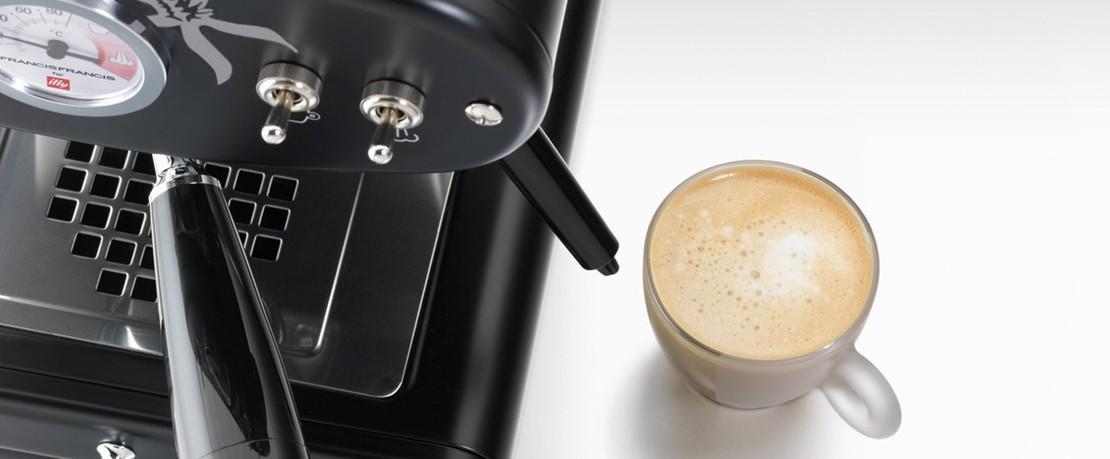 Francis-X1-Trio-Espressomaschine
