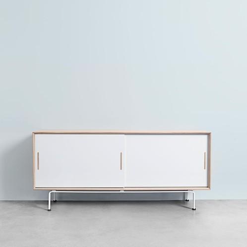Andersen Furniture - Andersen Furniture S4 Sideboard Sockel Stahl