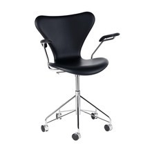 Fritz Hansen - Serie 7 Swivel Armrest Chair / Office Chair