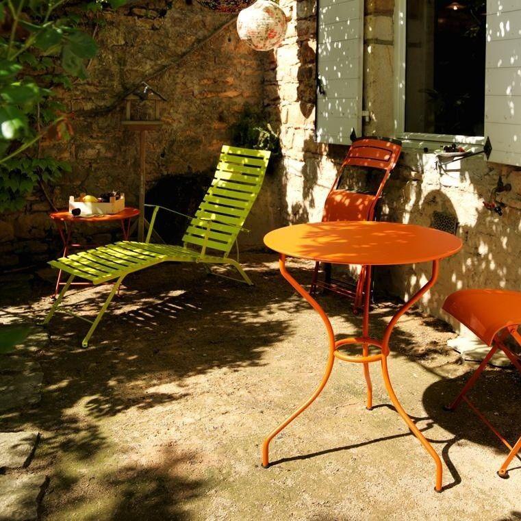 Bistro m tal bain de soleil fermob chaises longues for Chaises longues pliables