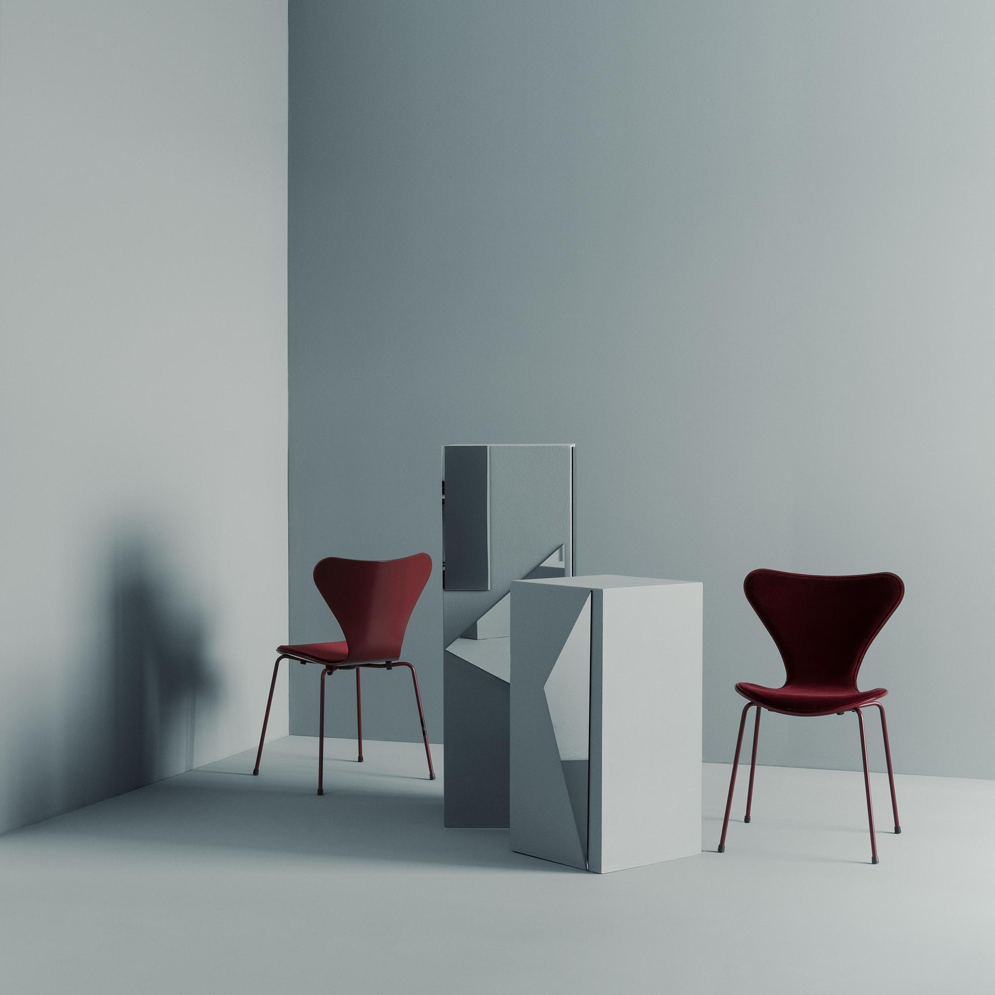 Fritz Hansen Limited Edition Serie 7 Stuhl Samt Ambientedirect