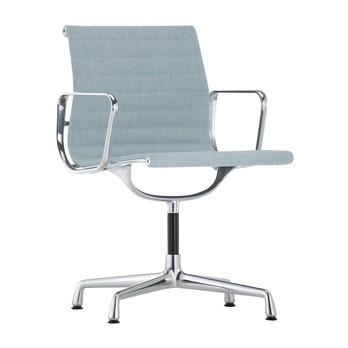 Vitra - EA 104 Aluminium Chair Armlehnstuhl - eisblau/elfenbein/Gestell aluminium poliert/mit Filzgleitern