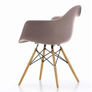 Vitra - Eames Plastic Armchair DAW Armlehnstuhl H41cm - mauve grau/Polypropylen/Gestell Ahorn gelblich/Querverstrebungen aus Rundstahl schwarz
