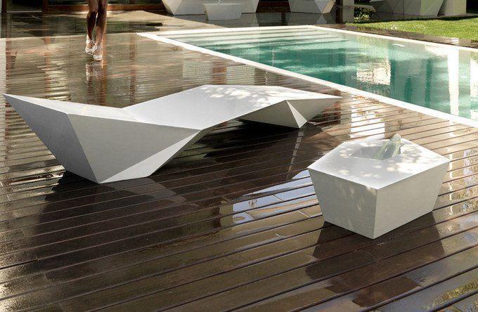 Buy Vondom furniture online | AmbienteDirect