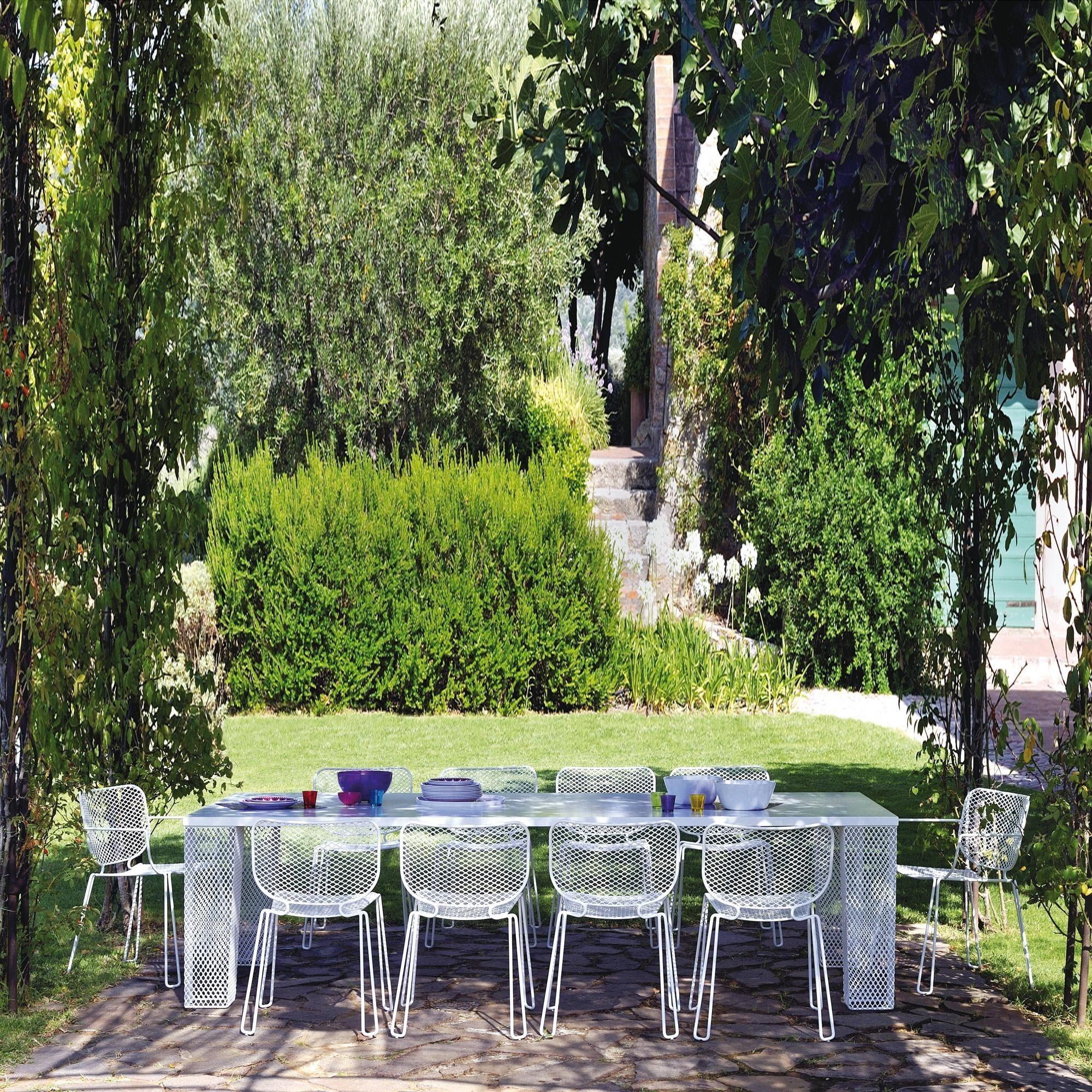Emu Ivy Garden Table Ambientedirect