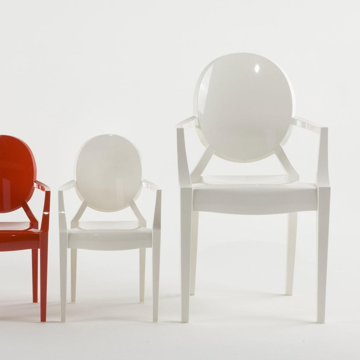 Louis ghost armchair kartell for Chaise louis ghost kartell