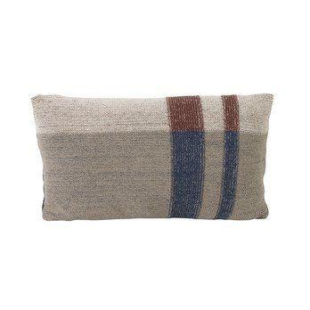 ferm LIVING - Medley Knit Kissen 40x25cm - dunkelblau/LxB 40x25cm/Füllung: Federn & Daunen