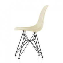Vitra - Vitra Eames Plastic Side Chair DSR Black Base
