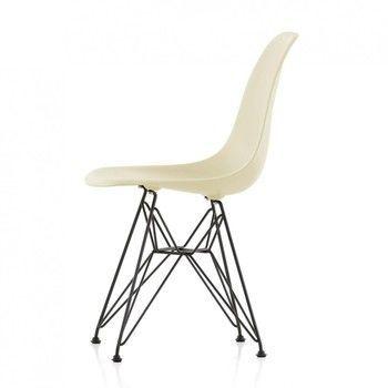 Vitra - Eames Plastic Chair DSR Gestell schwarz H43cm - creme/Eiffelturmgestell basic dark schwarz/für Innen- und Außenbereich geeignet
