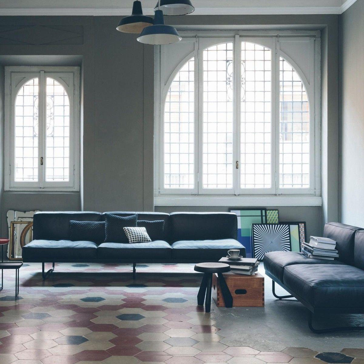 Le Corbusier LC5 3-Seater Sofa | Cassina | AmbienteDirect.com