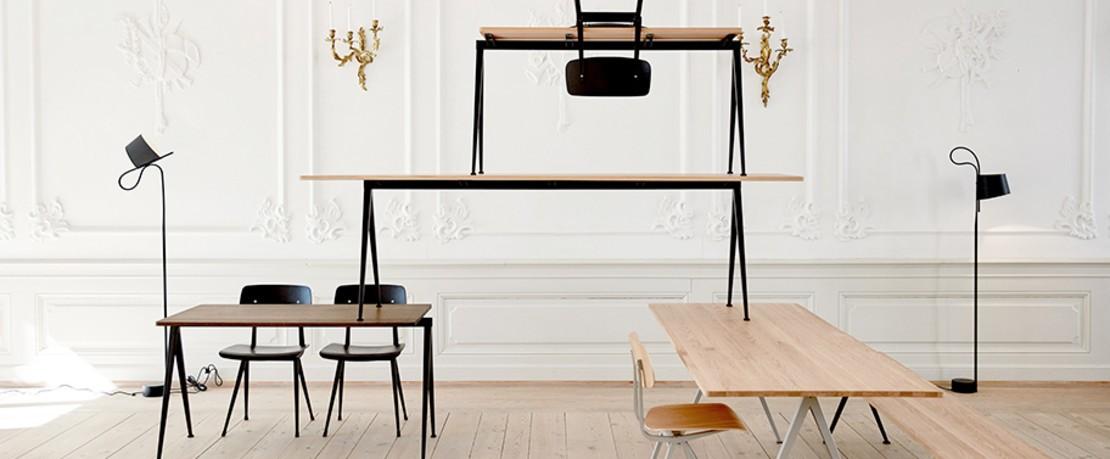 HAY Kollektion bestehend aus Tischen, Stühlen und Stehlampen