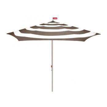 Fatboy - Fatboy Stripesol Sonnenschirm - taupe/weiß/Ø350cm / H 265cm/Lieferung ohne Schirmständer
