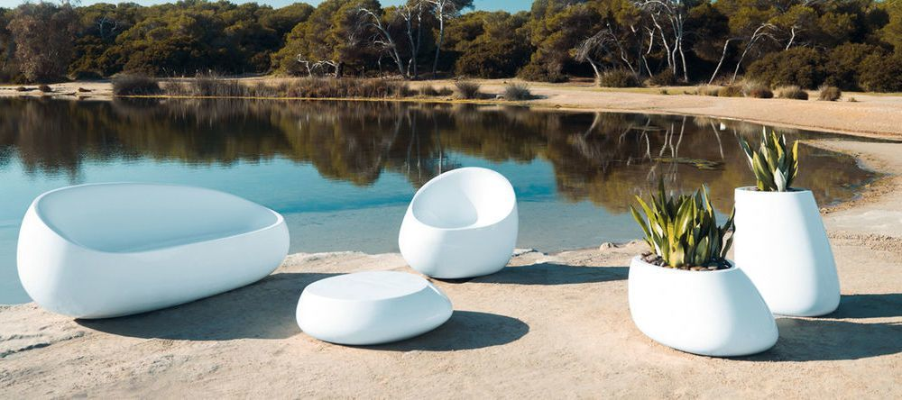 Vondom mobilier de jardin contemporain ambientedirect for Salon de jardin exterieur contemporain
