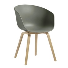 HAY - About a Chair AAC 22 Armlehnstuhl Eiche geseift
