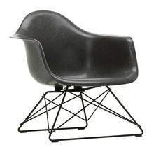 Vitra - Eames Fiberglass Armchair LAR onderstel zwart