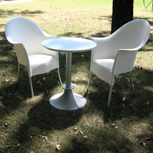 Driade - Lord Yi + Yo Set aus 1 Tisch + 2 Stühlen
