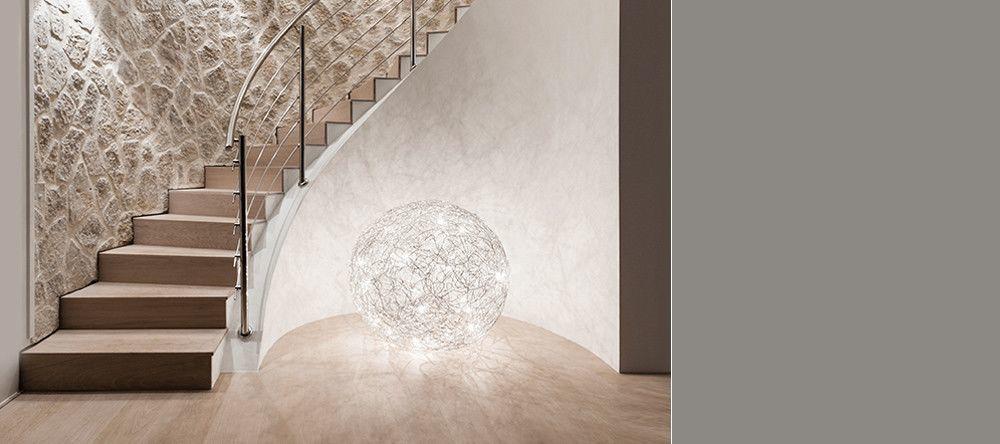 catellani smith fil de fer lampe de sol et suspension ambientedirect. Black Bedroom Furniture Sets. Home Design Ideas