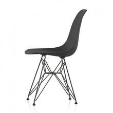 Vitra - Vitra Eames Plastic Side Chair DSR Gestell schwarz