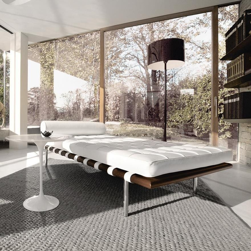... Knoll International   Barcelona Mies Van Der Rohe Daybed