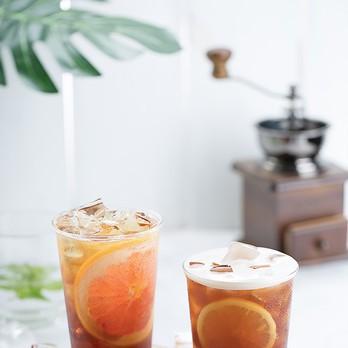 Erfrischungsgetränke mit Orange