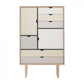 Andersen Furniture - Andersen Furniture S5 Kommode Fronten bunt - silberweiß/beige/metallgrau/eiche geseift/B 83 x T 43 x H 132 cm