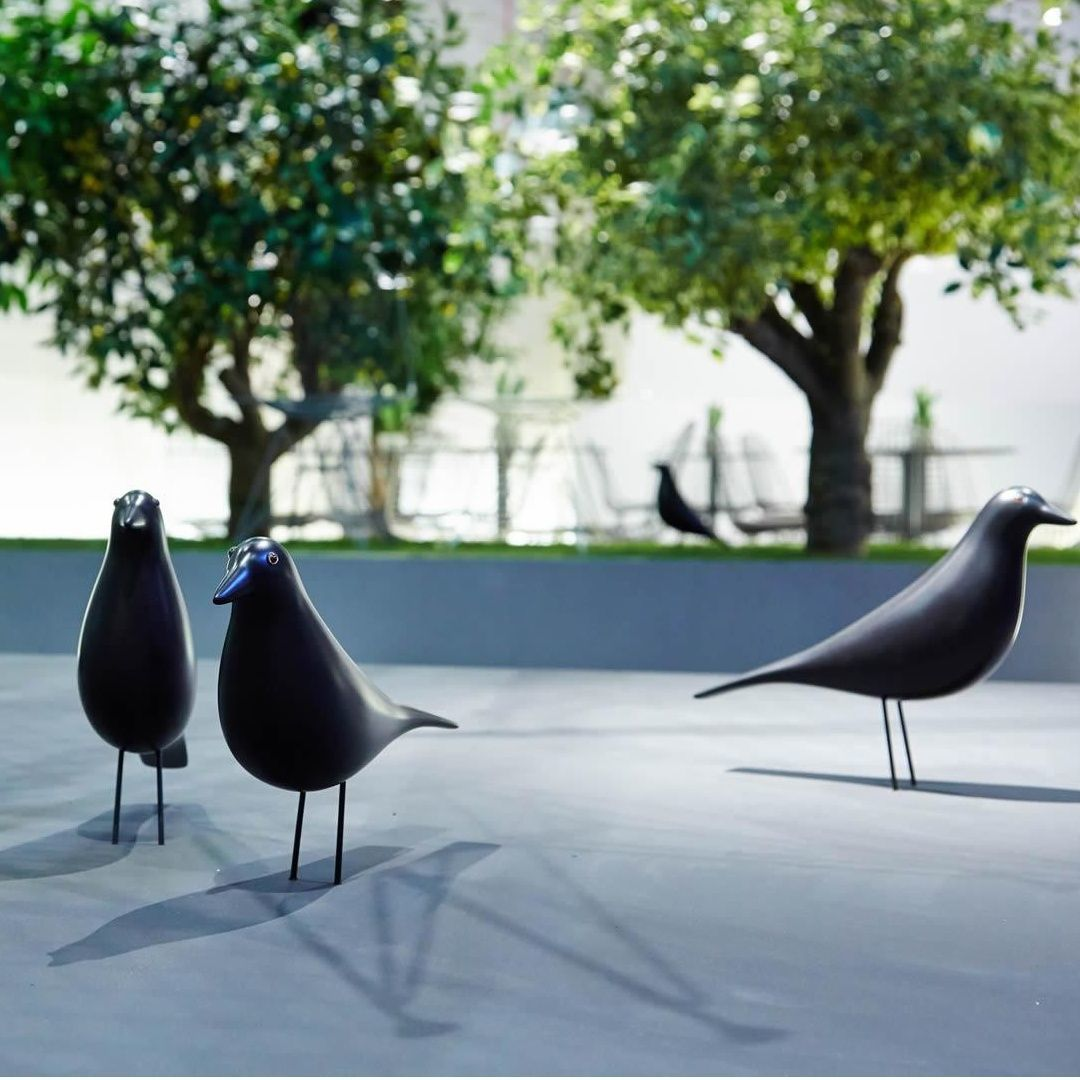 eames house bird figur vitra. Black Bedroom Furniture Sets. Home Design Ideas