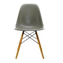 Vitra - Vitra Eames Fiberglass Side Chair DSW esdoorn goud