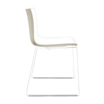 Arper - Catifa 46 0278 Stuhl zweifarbig Kufe weiß - weiß/elfenbein/Außenschale glänzend/innen matt/Gestell weiß matt V12/neue Farbe