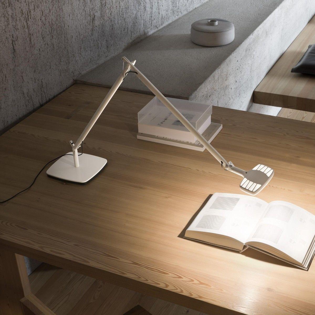 otto watt led lampe de bureau dimmable luceplan. Black Bedroom Furniture Sets. Home Design Ideas