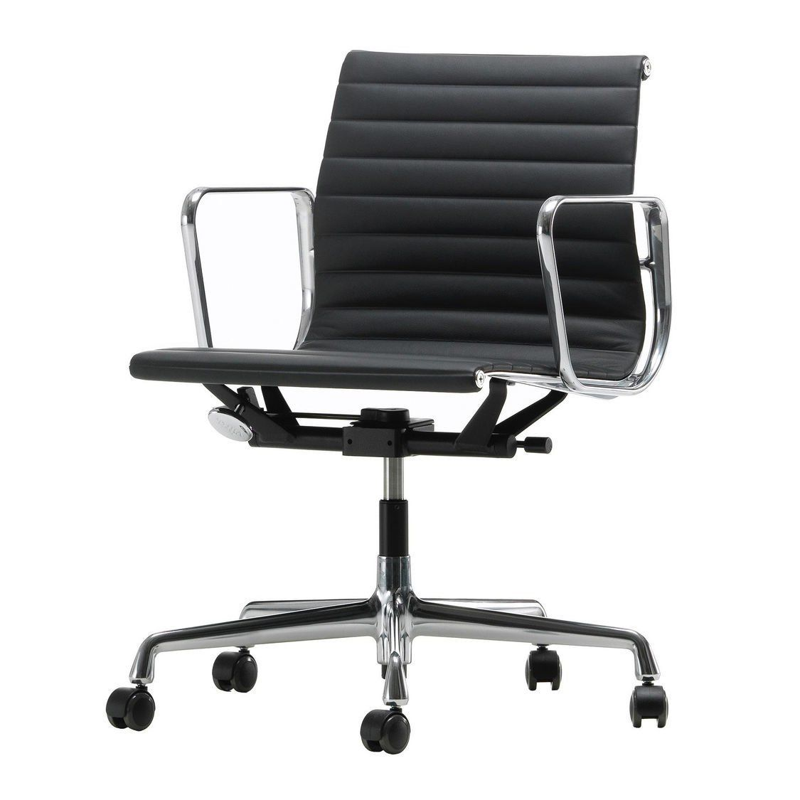 Vitra ea 117 alu chair polished base ambientedirect for Vitra alu chair replica