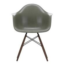 Vitra - Eames Fiberglass Armchair DAW Ahorn dunkel