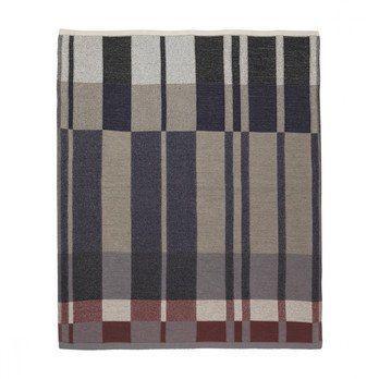 ferm LIVING - Medley Knit Decke 7139 - dunkelblau/waschbar bei 30°C/120x160cm
