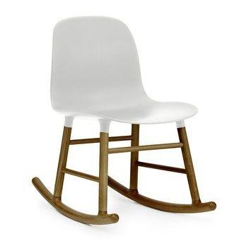Normann Copenhagen - Form Rocking Chair Schaukelstuhl Walnuss - weiß/Gestell walnuss/H x B x T: 73 x 48 x 69cm
