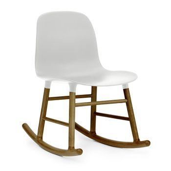Normann Copenhagen - Form Rocking Chair Schaukelstuhl Walnuss - weiß/Gestell walnuss/H x B x T: 73 x 48 x 69cm