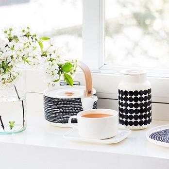 Tee und Blumen
