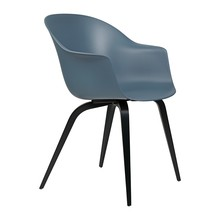 Gubi - Bat Dinning Chair Gestell Buche schwarz