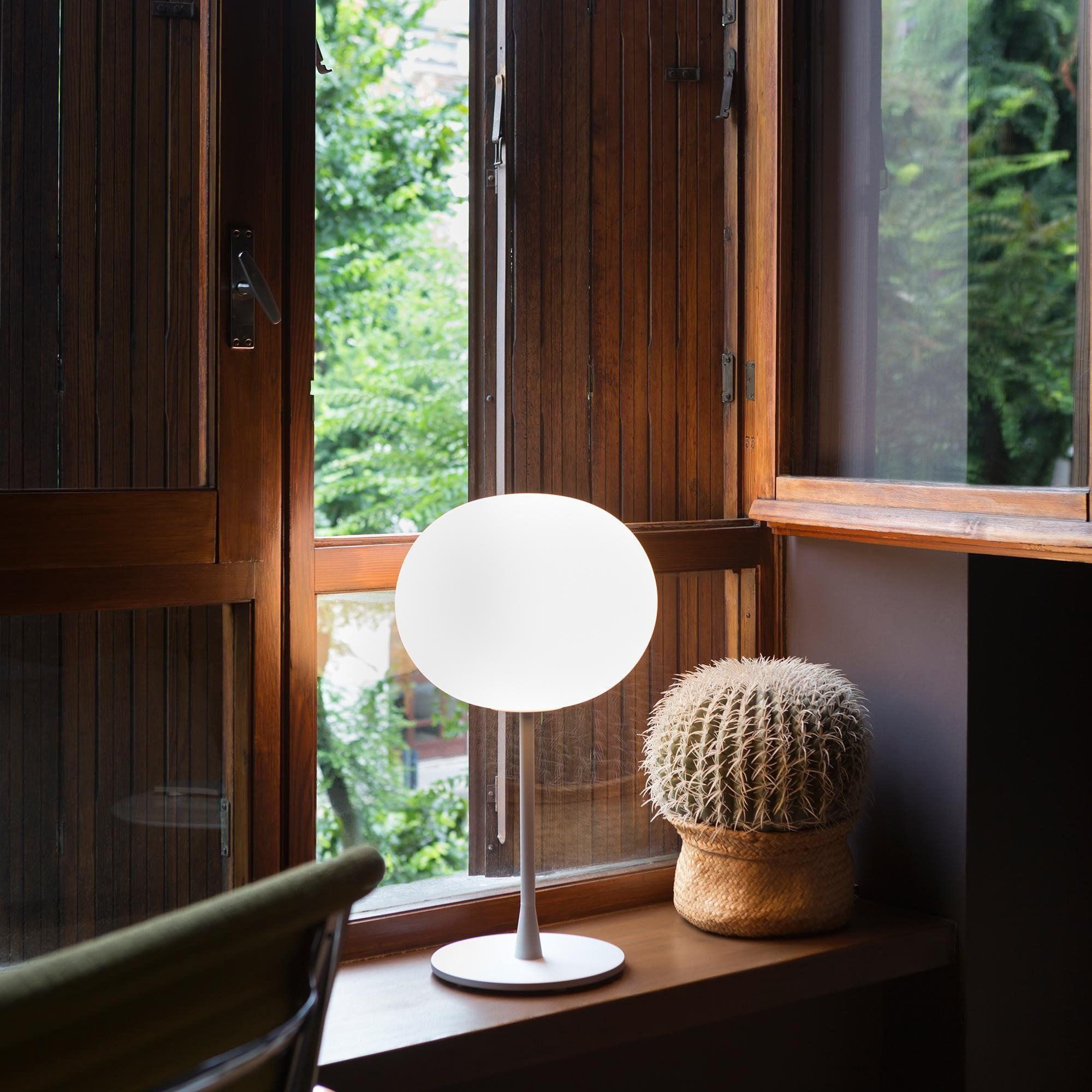 Flos Glo Ball T1 Table Lamp | AmbienteDirect