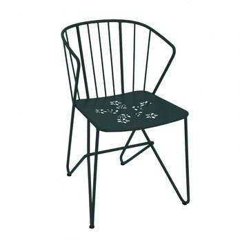 Fermob - Flower Gartenarmlehnstuhl - zederngrün/lackiert/perforierte Sitzfläche